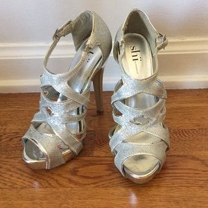 Shii by Journeys Glitter Silver Platforms